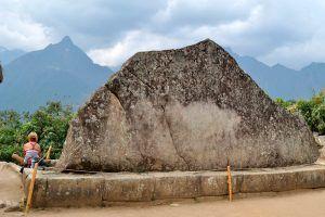 muros y manosteria de piedra inca PERU